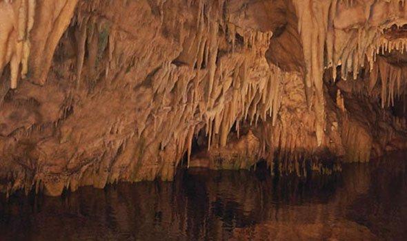 Ο Σύλλογος Φίλων Περιηγητών διοργανώνει για τα μέλη του, διήμερη εκδρομή 05-06/09 στη Λακωνική Μάνη - Σπήλαια Διρού, Λιμένι, Αρεόπολη, Ταίναρο, Βάθεια, Γερολιμένας