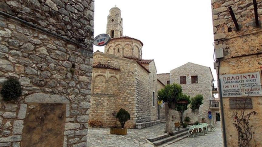 Ιερός Ναός Ταξιαρχών,Αρεόπολη