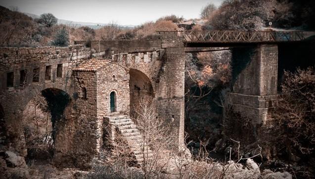 Η γέφυρα της Καρύταινας και το παρεκκλήσιτης